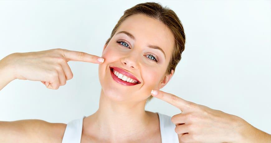 הלבנת שיניים ברחובות - חיוך לבן לטווח בינוני וארוך